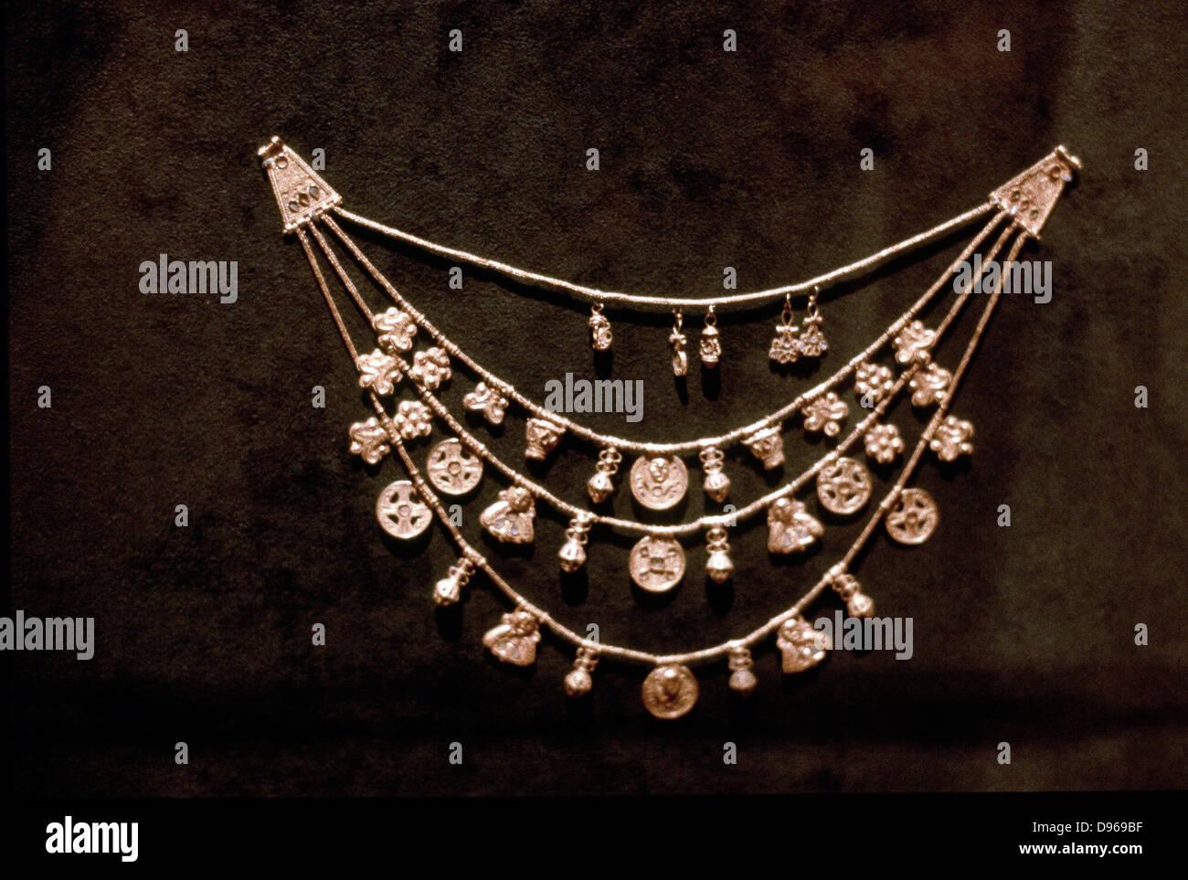 Phoenecian gold jewellery. 5th century BC. - Stock Image