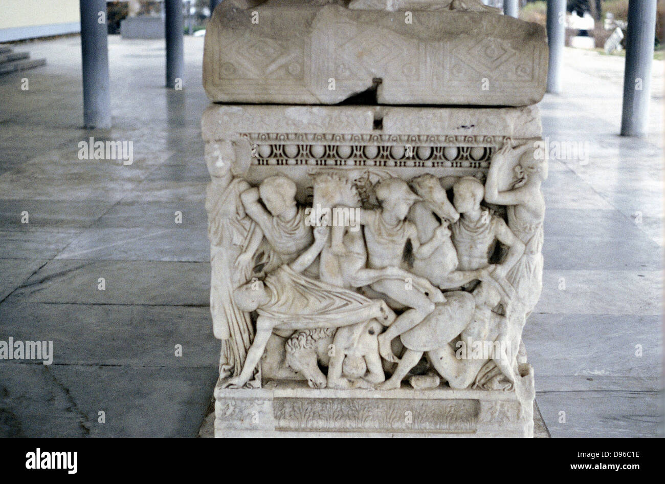 Soldiers in battle. Scene from foot of sarcophagus c300 BC. Thessaloniki Museum - Stock Image