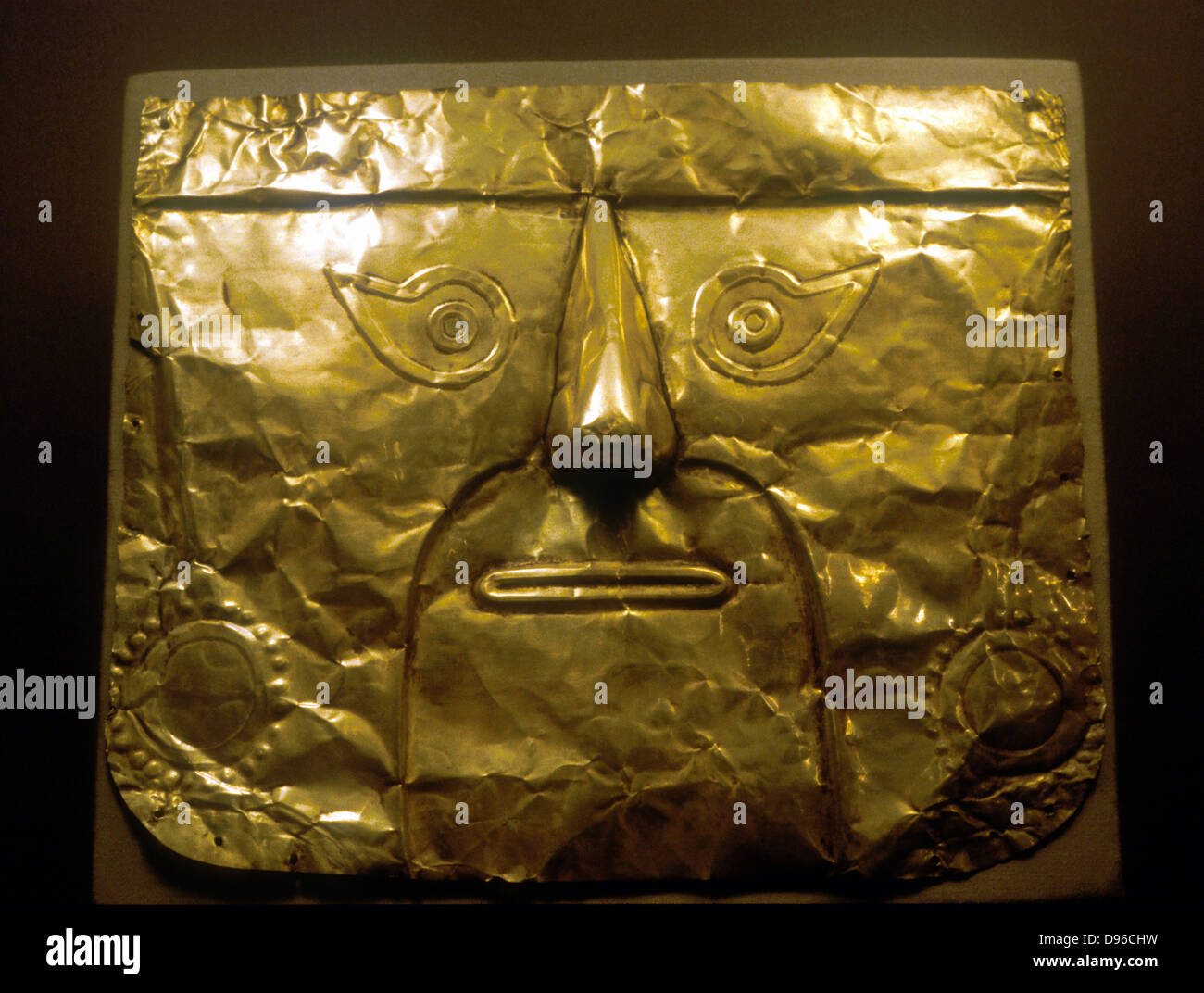 Chimu Mask (gold) Peru 1100-1500 AD - Stock Image