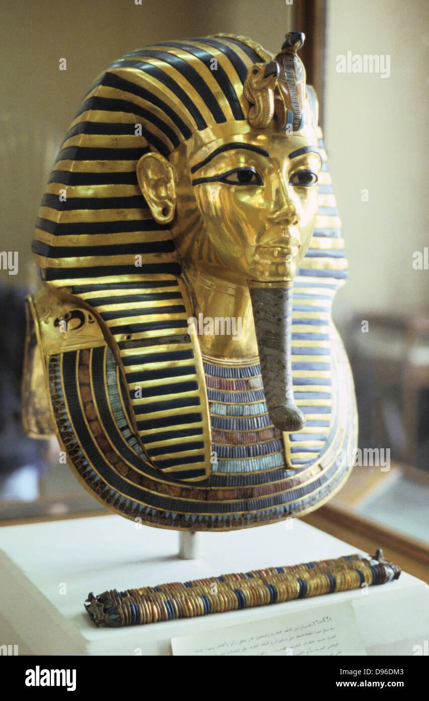 Golden death mask of Tutankamen (Tutankhamun) dc1340BC. Ancient Egyptian Pharaoh. - Stock Image