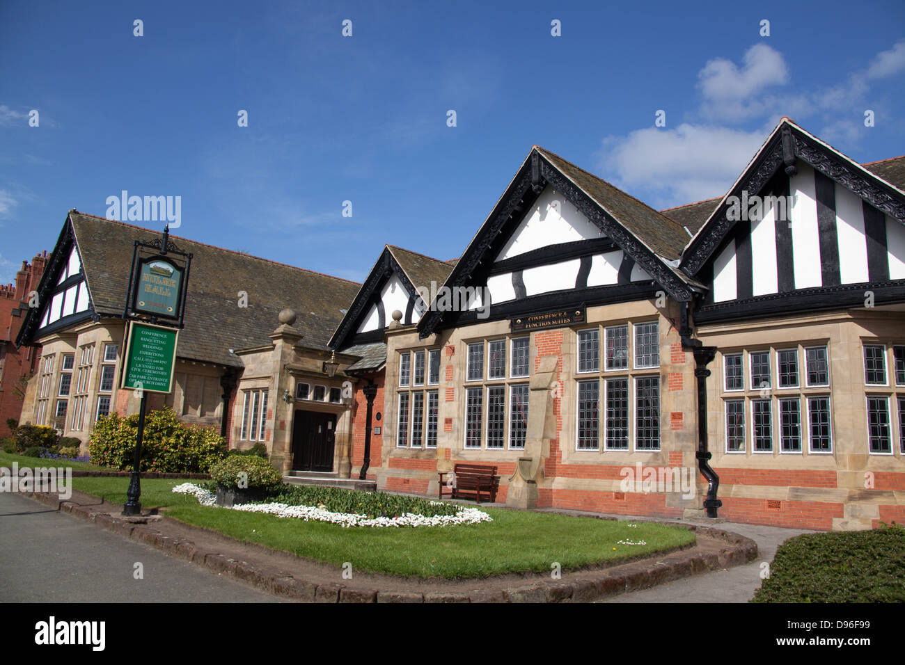 Village of Port Sunlight, England. The early 20th century William and Segar Owen designed Hulme Hall. - Stock Image