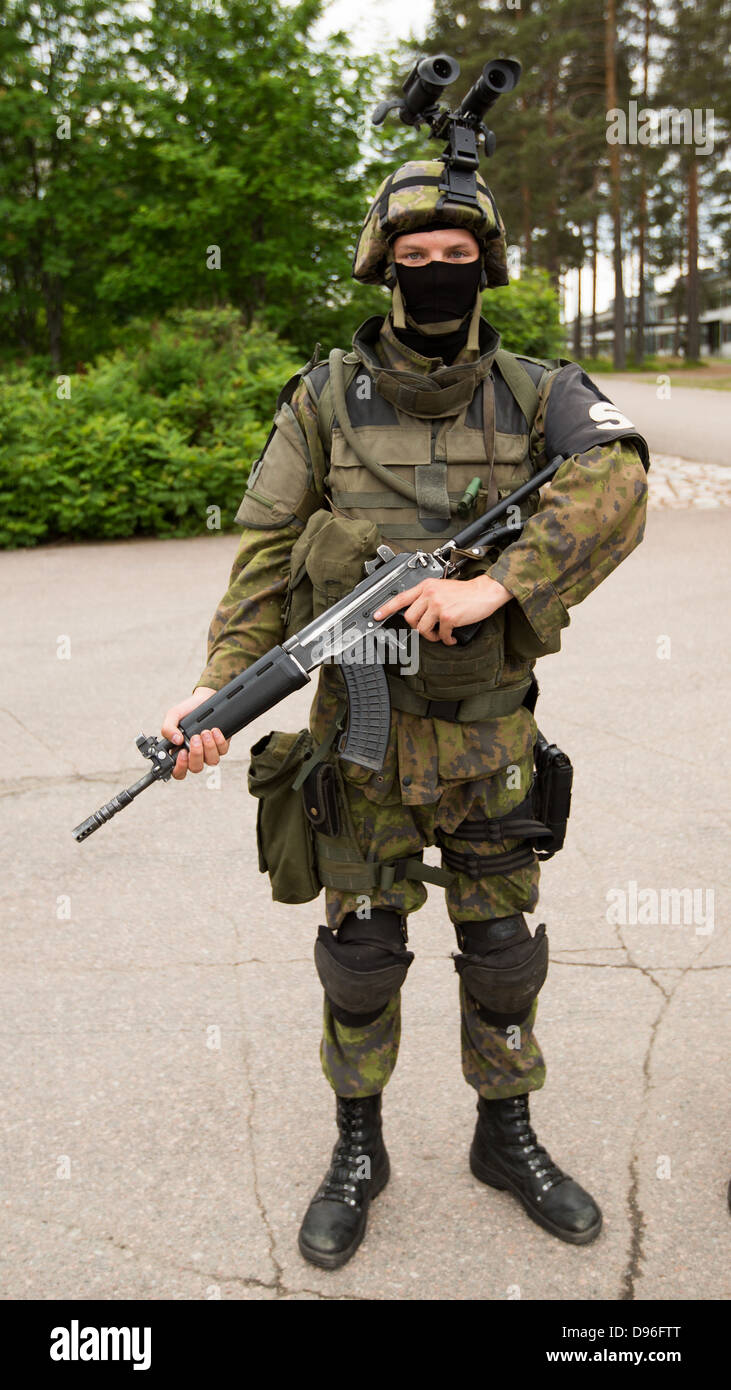 Finnish Army Military Policeman With Assault Rifle Helmet