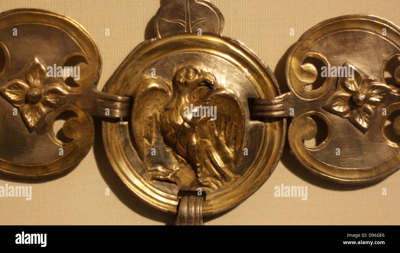 dating horseshoes found