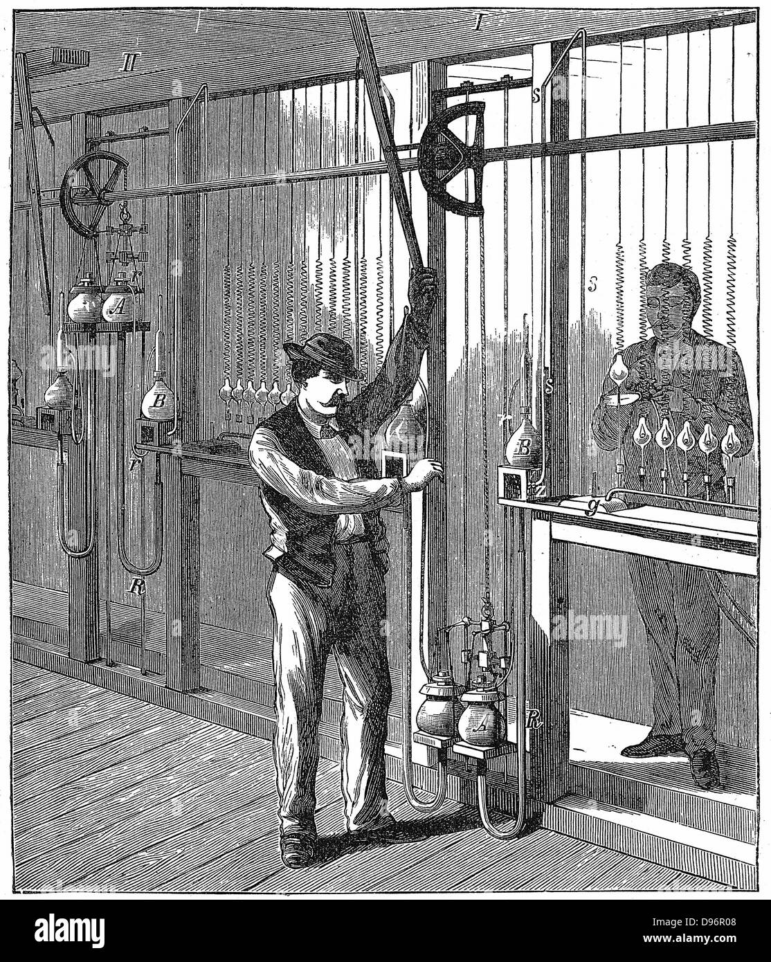 Vacuum Pump Stock Photos Images Alamy Alternatives Wiring Diagram 0 Mercury Being Used To Evacuate Exhaust Light Bulbs On Commercial Scale C1883