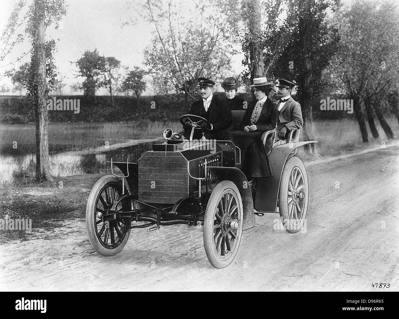 Mercedes 35 PS motor of 1901. In the back are Adolph Daimler Stock ...