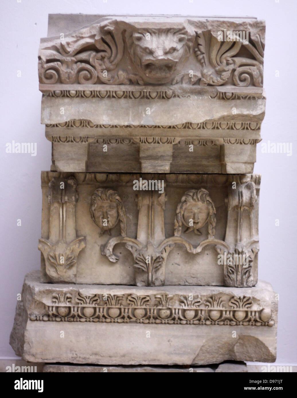 Temple of Zeus Philios (Trajaneum) Entablature Marble ca. 115- 130 AD - Stock Image