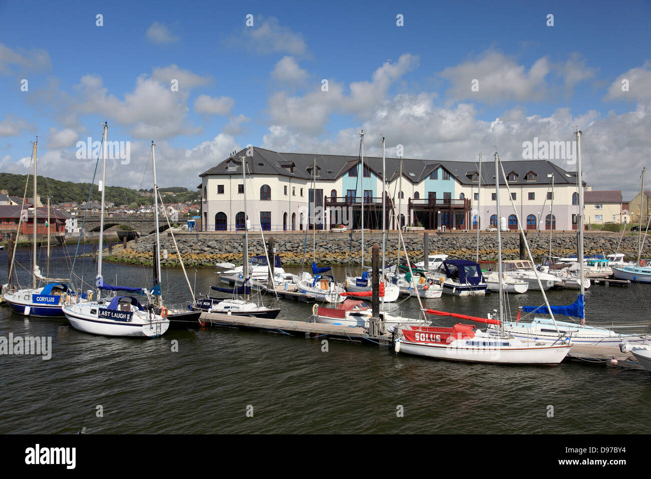 The Marina at Aberystwyth with the river Rheidol and Trefechan bridge to the left - Stock Image