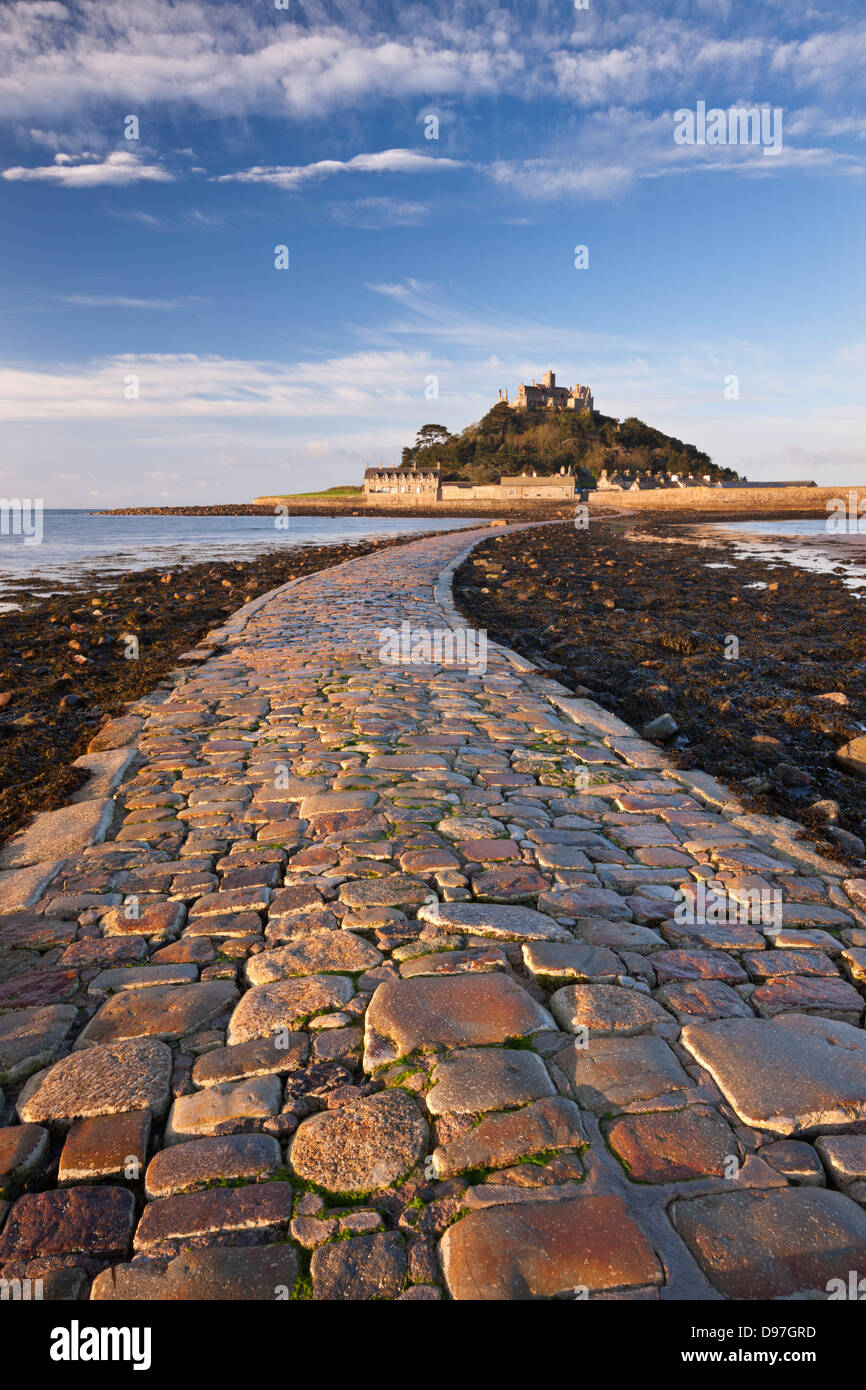 Causeway over to St Michaels Mount at low tide, Marazion, Cornwall, England. Spring (May) 2012. - Stock Image