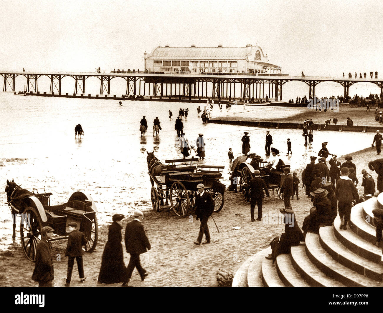 Cleethorpes Pier and Beach early 1900s - Stock Image