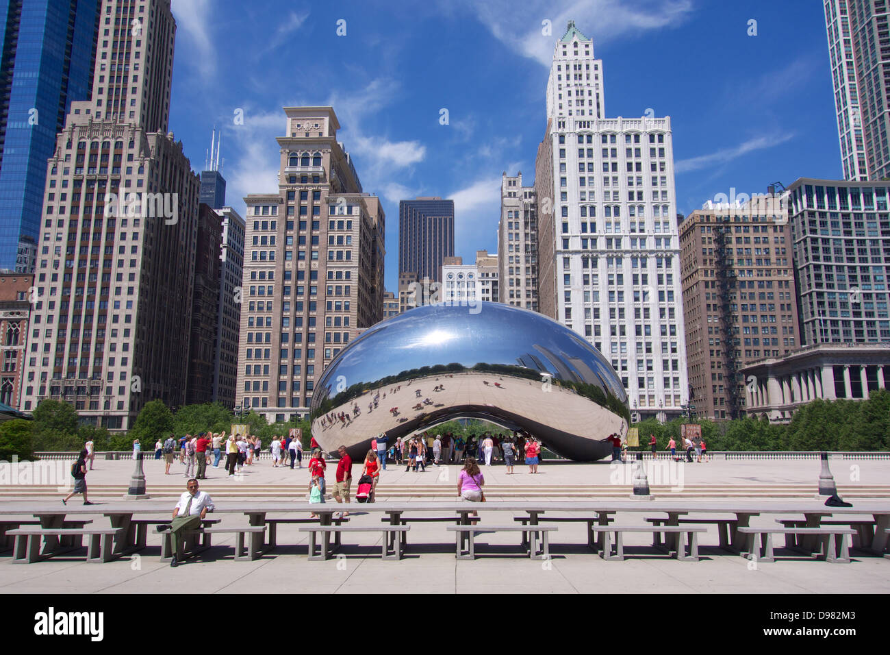 Cloud Gate by Anish Kapoor, also known as 'The Bean.' Millennium Park, Chicago. - Stock Image
