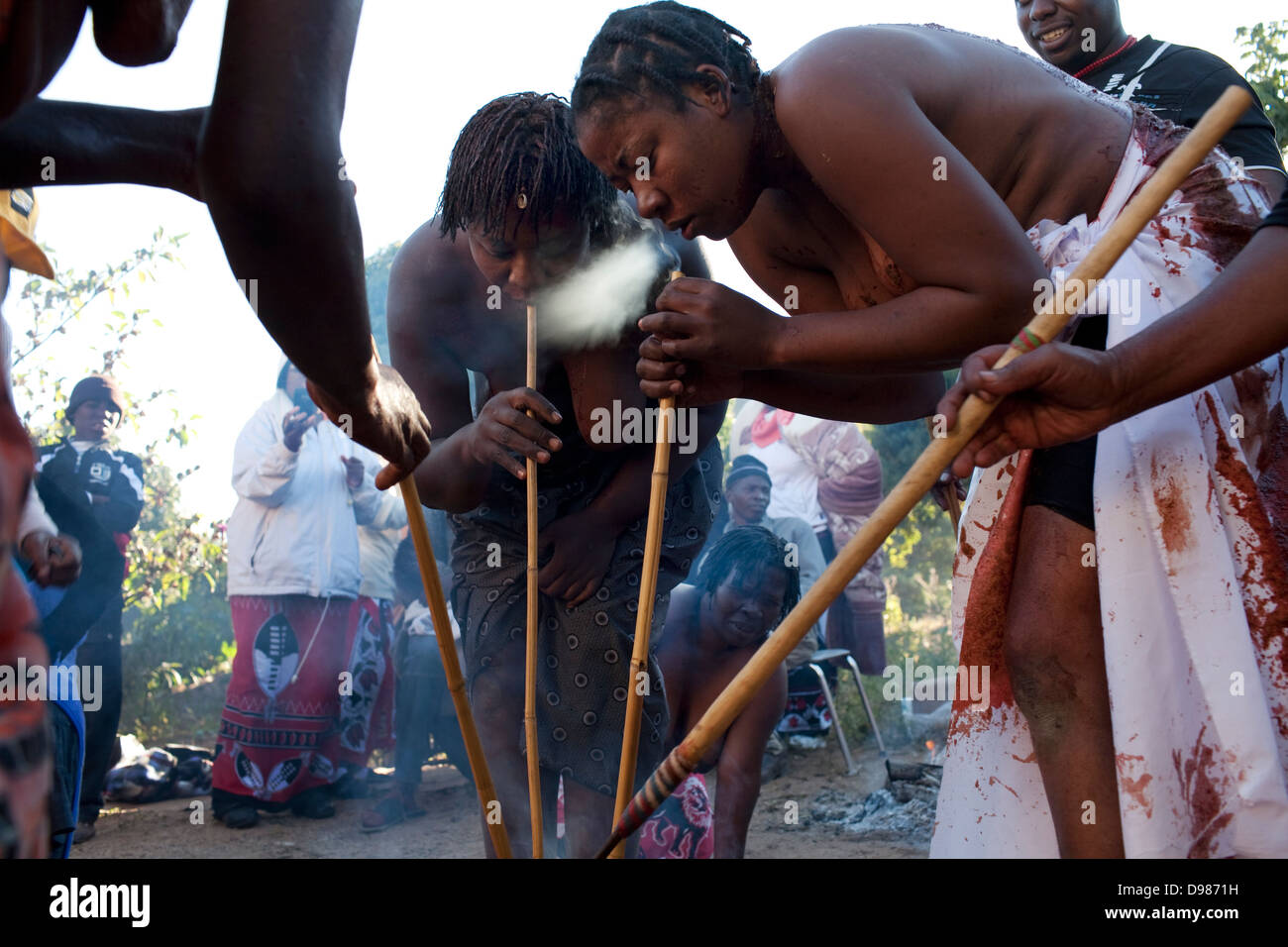 Inhale Smoke Stock Photos & Inhale Smoke Stock Images - Alamy