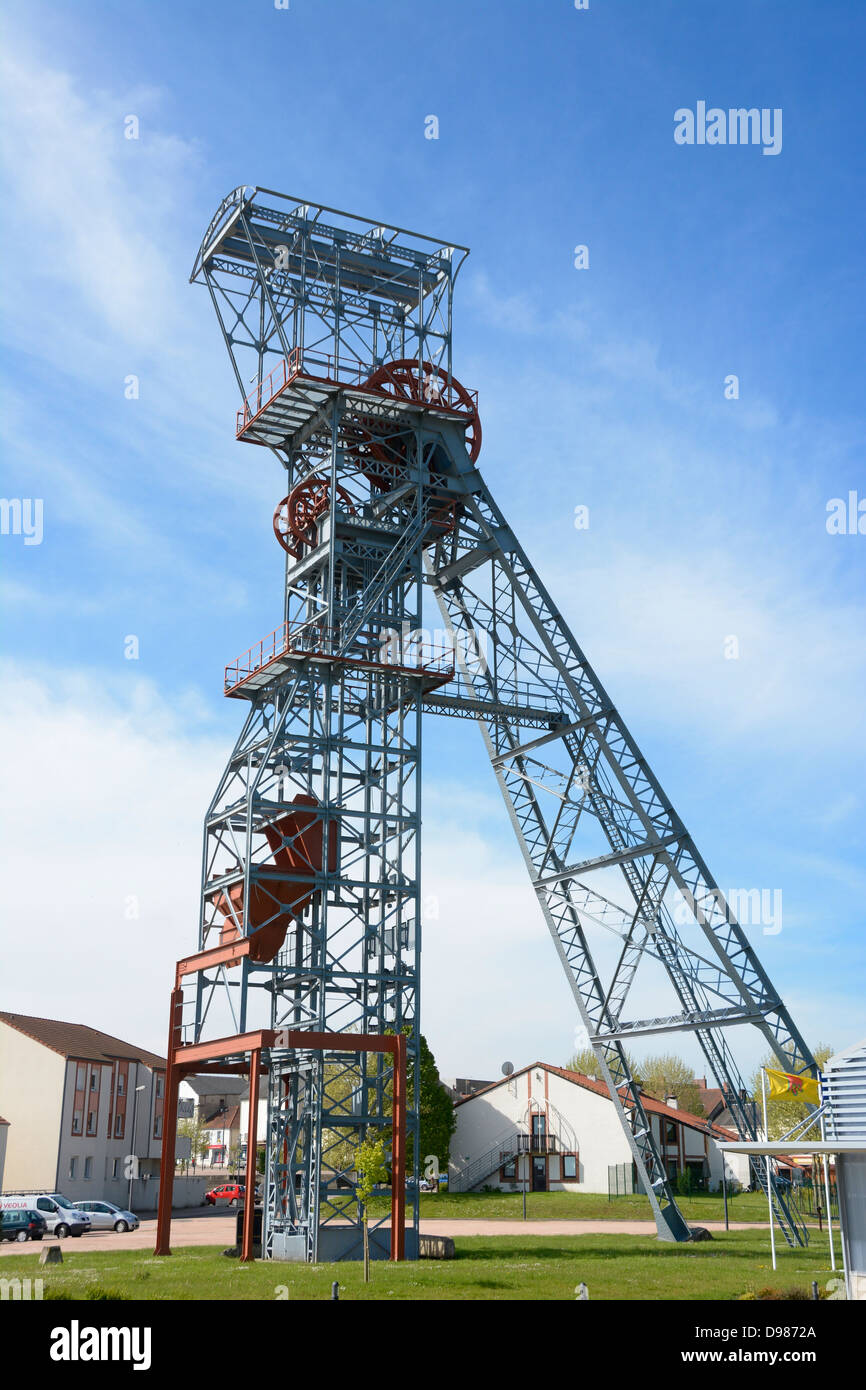 Pit winding gear at old coal mine in Saint-Eloy les Mines, Puy de Dome, Auvergne, France, Europe - Stock Image