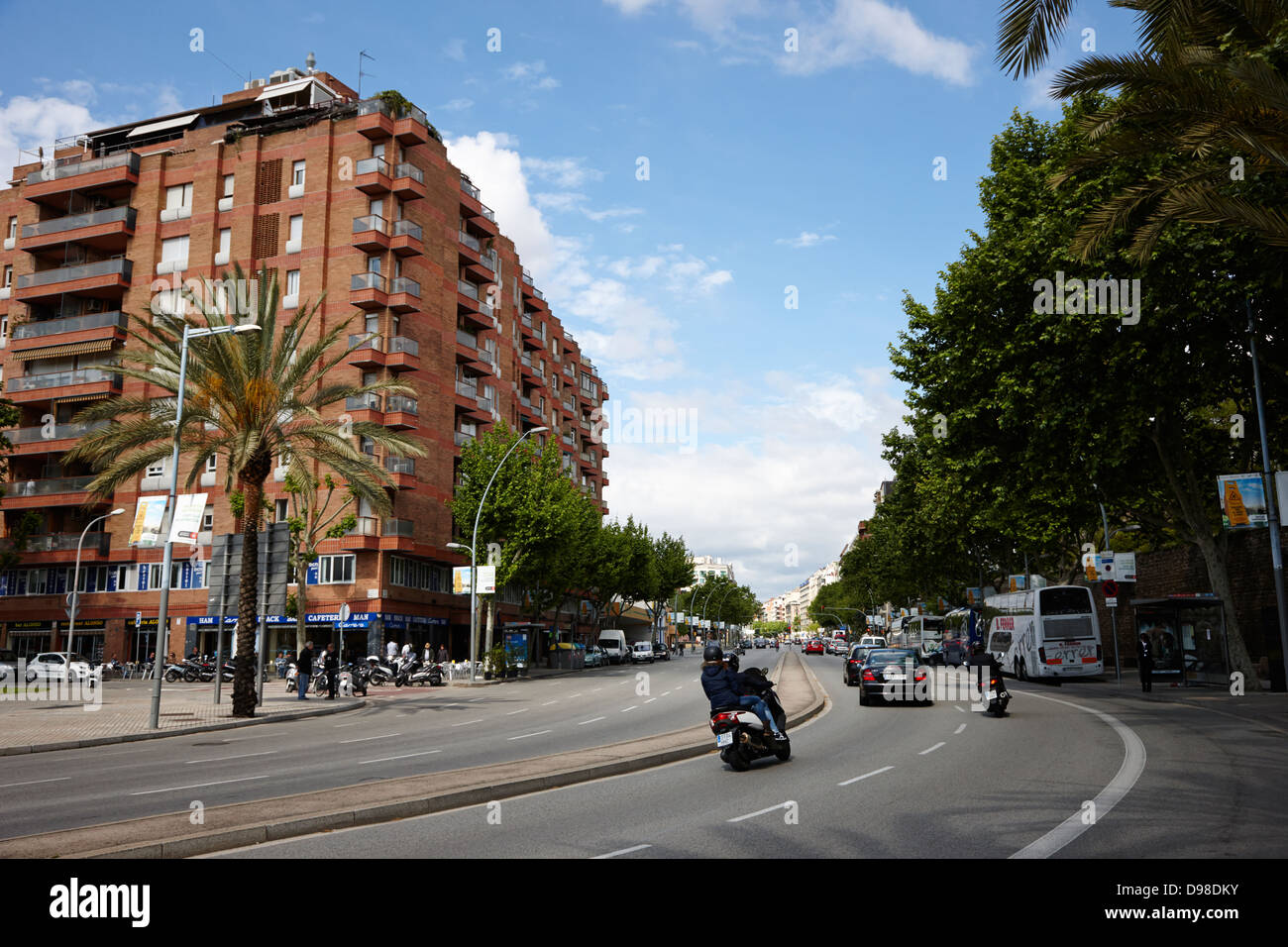 avinguda del paral-lel barcelona catalonia spain It is called parallel because it runs parallel with the equator - Stock Image