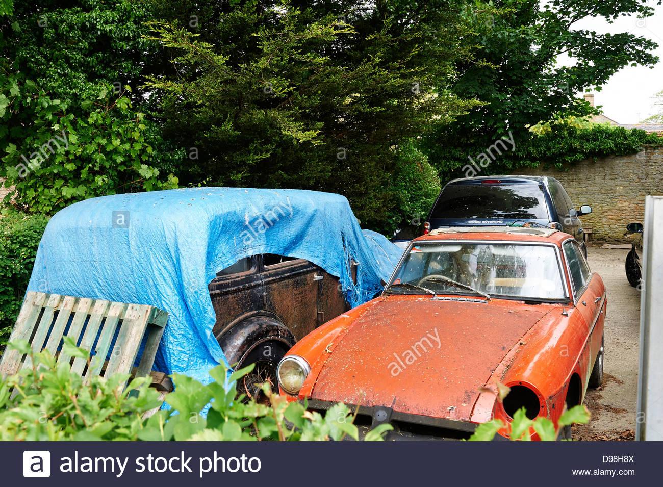 Traditional old garage in Long Compton, Warwickshire UK - Stock Image