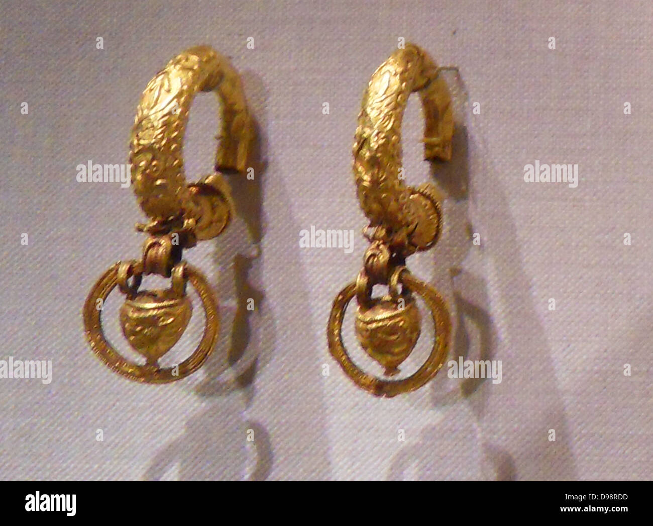 Etruscan gold earrings dated from 4th -3rd Century BC - Stock Image