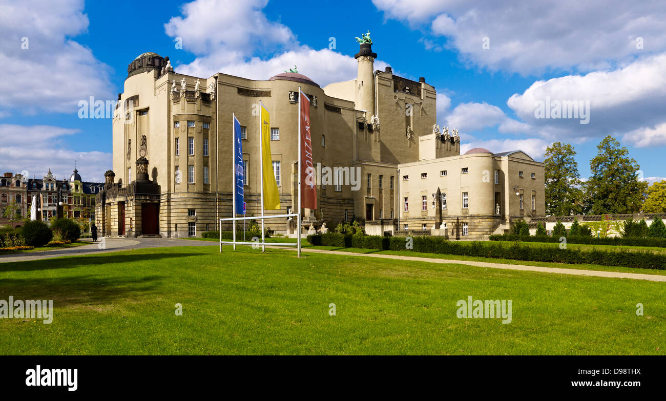 Art Nouveau style State Theater on Schillerplatz square in Cottbus, Brandenburg, Germany - Stock Image