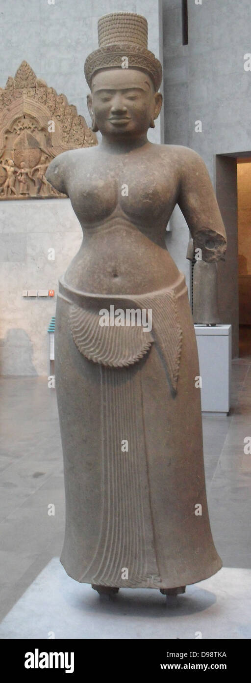 Female divinity. Last quarter of the 9th Century. Style of Preah Ko (875-900). Sandstone sculpture from Cambodia - Stock Image
