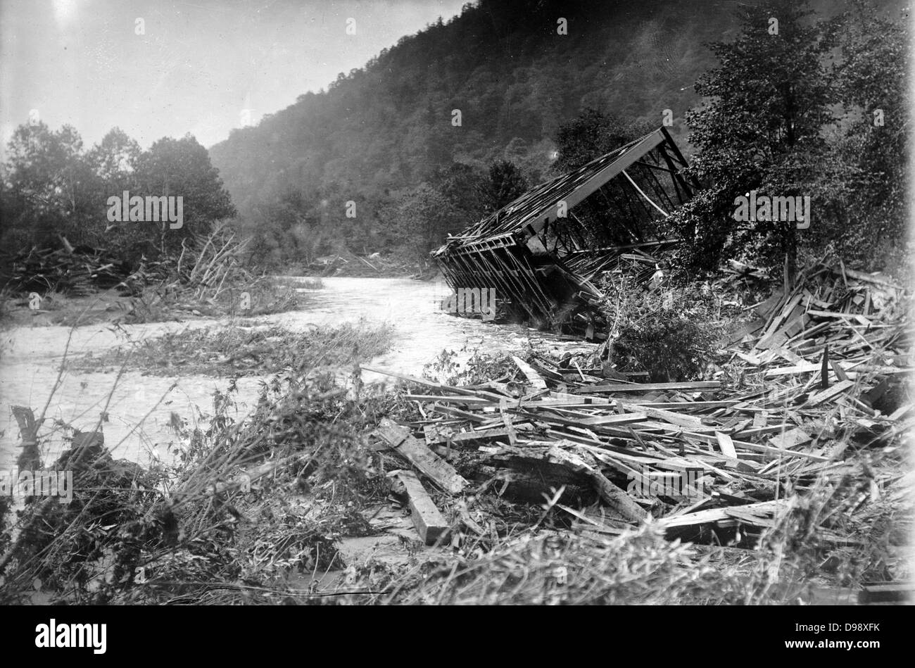 Austin Dam Disaster, RR Bridge, Costello [1911] In September 1911, the failure of the Austin Dam in Potter County, - Stock Image