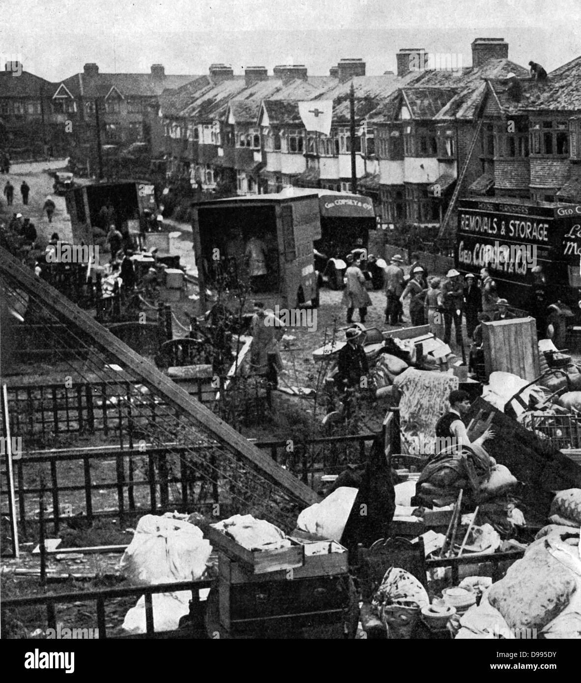 1941 Bombing Black And White Stock Photos Images Alamy Plymouth Pro Street Bomb Damage In A Suburban July 1940 To May Sustained Of British