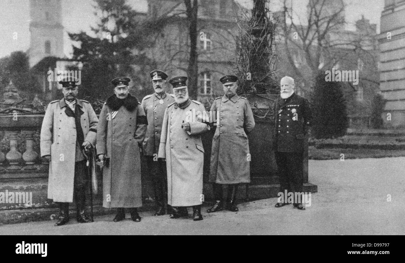 World War I 1914-1918:  Visit of King of Bavaria to the German Headquarters, 1917.  From left: Hindenburg, Emperor Stock Photo