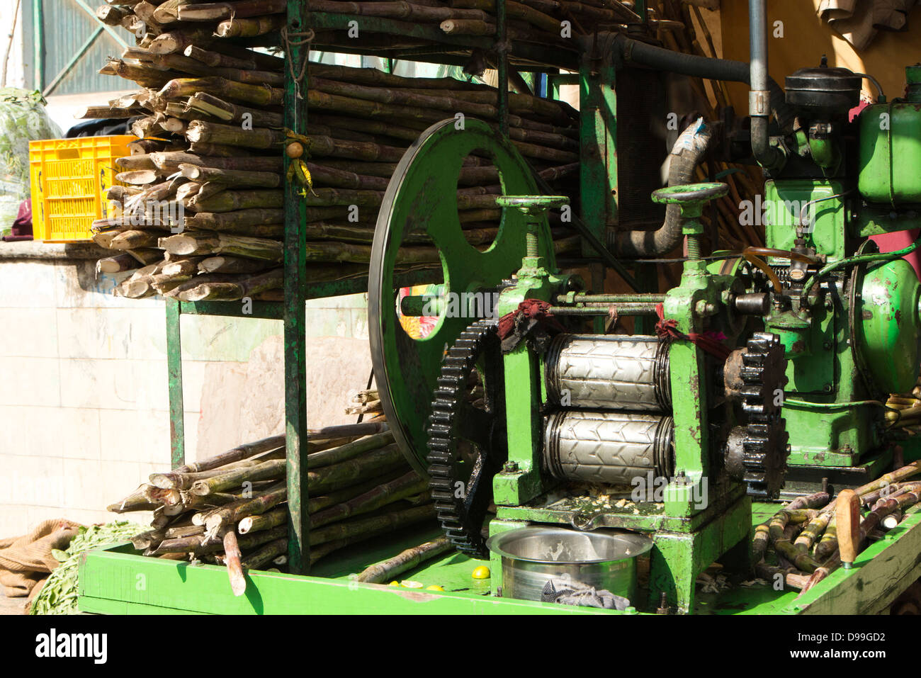 Sugar Cane Juice Extracting Machine Pushkar Ajmer Rajasthan India Stock Photo Alamy