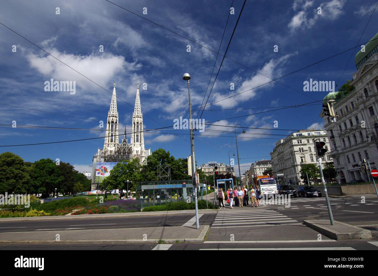 Schottengasse with Sigmund Freud Park & Votive Church in the background - Vienna, Austria - Stock Image