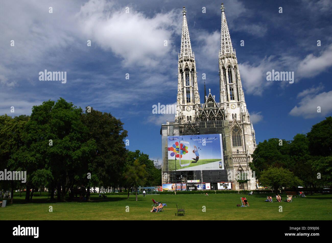 Sigmund Freud Park & Votive Church - Vienna, Austria - Stock Image