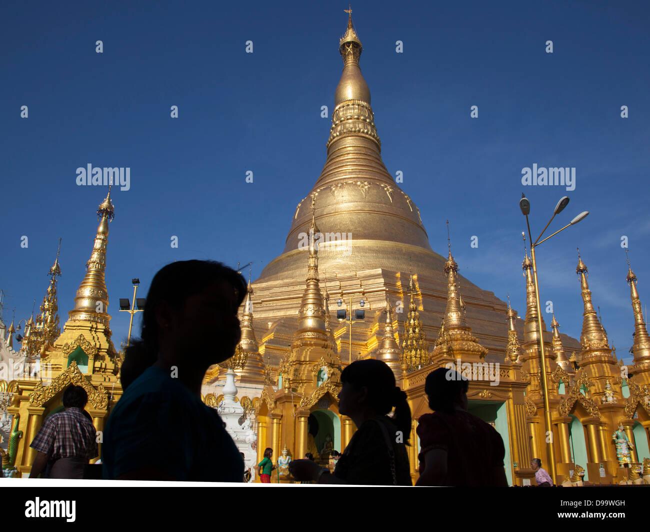 Golden stupas of the Shwedagon Paya (Buddhist temple) in Rangoon ( Yangon) Burma (Myanmar). Stock Photo