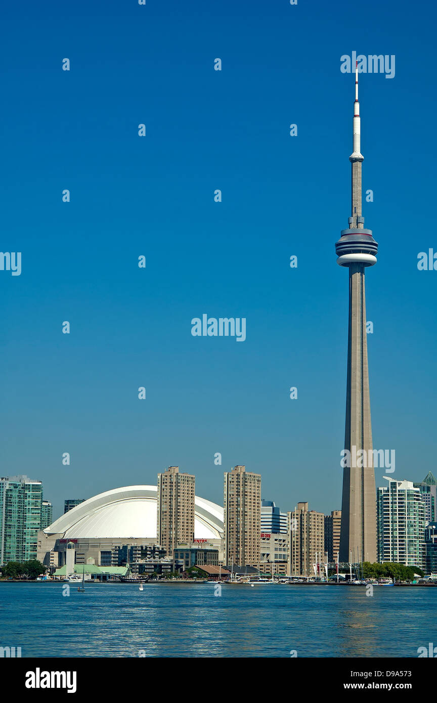 Toronto skyline, CN Tower and skydome - Stock Image