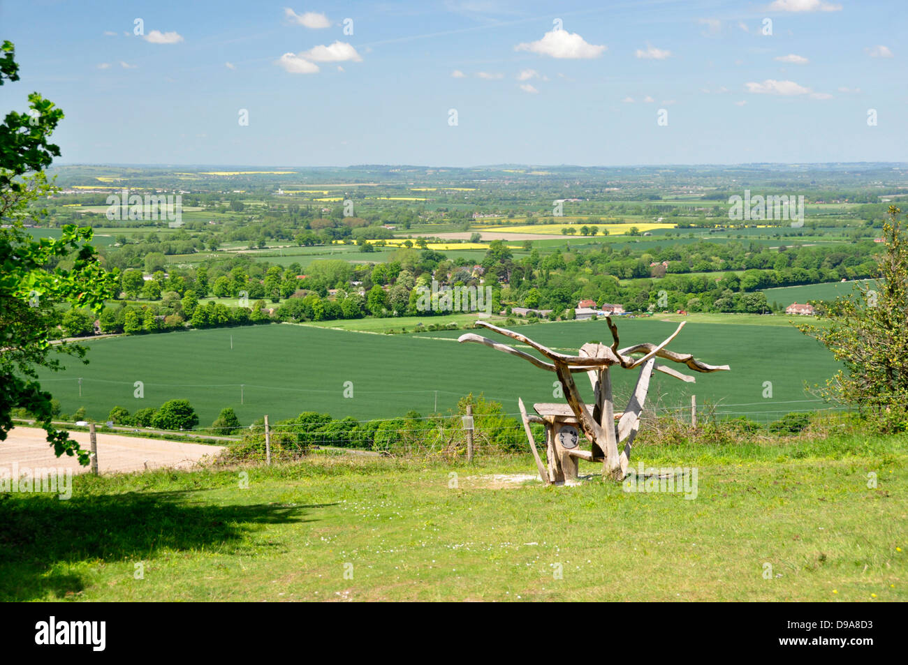 Oxon - Chiltern Hills - from Beacon HIll - landscape with modern sculpture - overlooking countryside + Aston Rowant - Stock Image