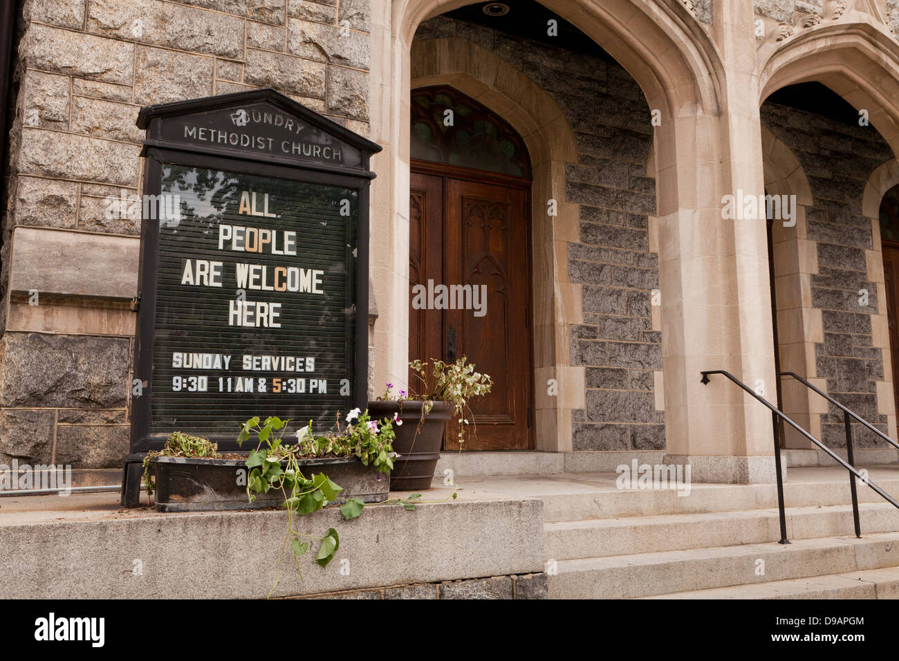 All people welcome church sign - Stock Image