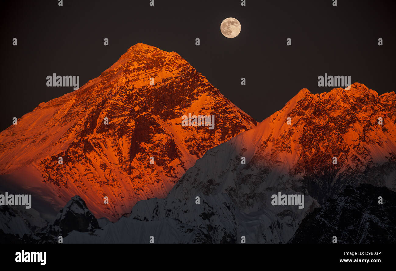 Peak Everest (8848 m) on a sunset. - Stock Image