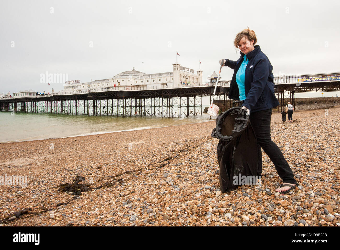 Brighton, UK. 17th June, 2013. Staff from Brighton SeaLife Centre protecting the environment, marine and human life - Stock Image