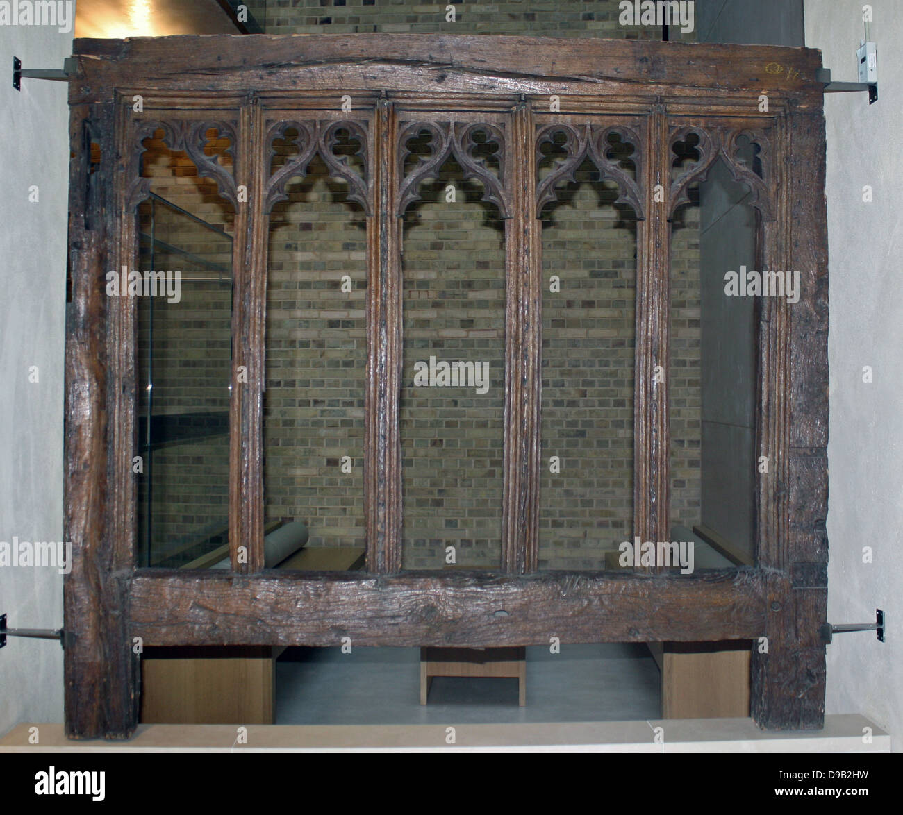 Window Frame 1475-1500.  Oak, Suffolk, England.  This window is carved with elaborate Gothic tracery.  It would - Stock Image