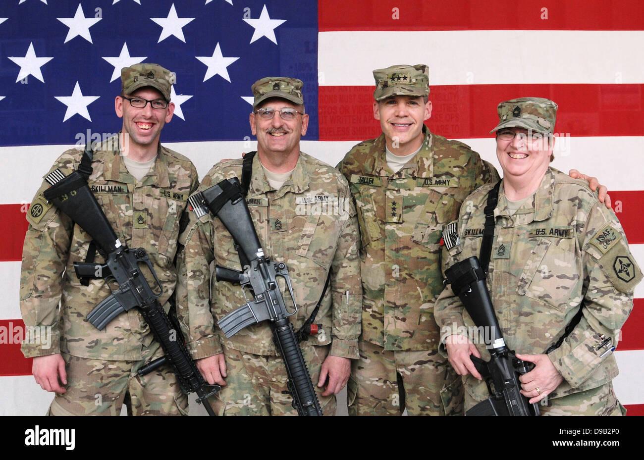Dan Fink Lt Gen Jeffrey Talley Commanding General U S Army