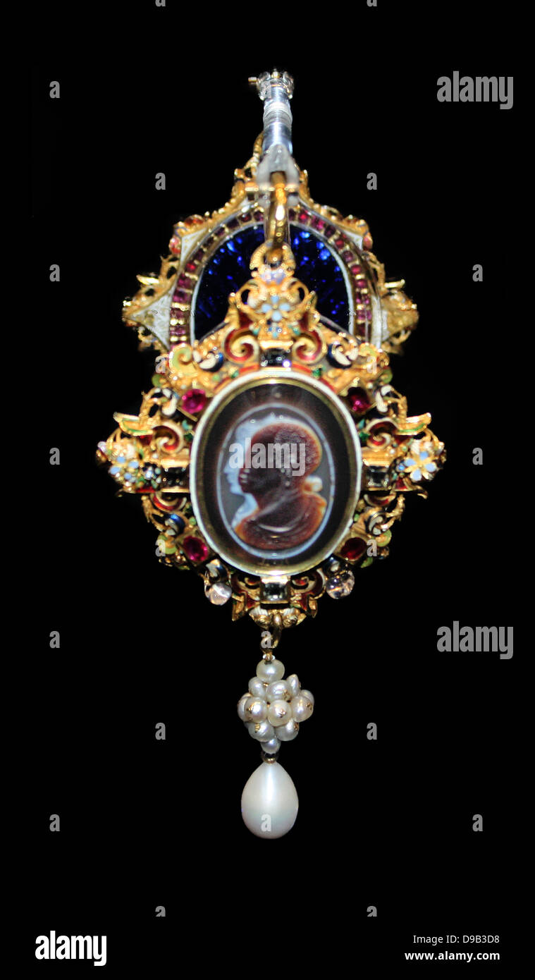 The Drake Jewel circa 1586.  Family tradition records that Elizabeth 1 gave this jewel to Sir Francis Drake about - Stock Image