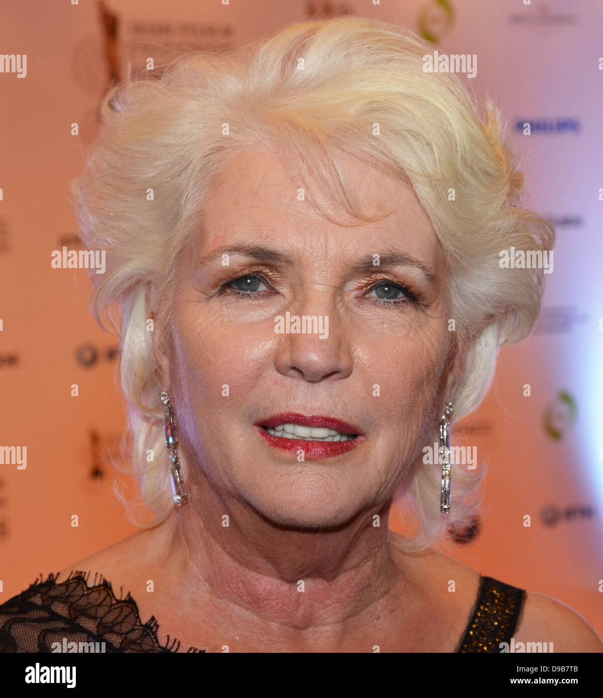 Fionnula Flanagan Nude Photos 71