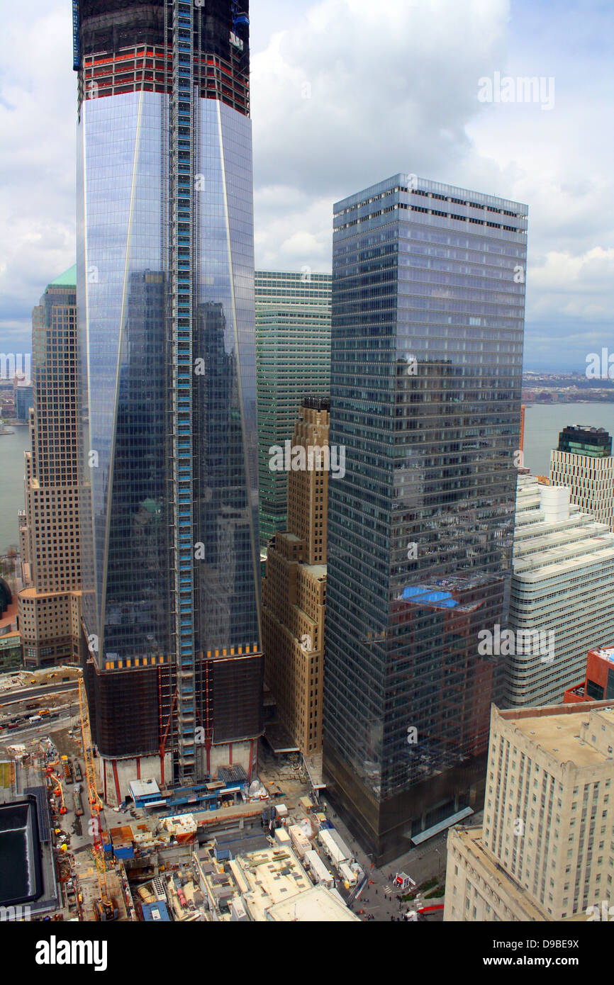 2012 April  (Left) One World Trade Center and (right) New World Trade Center 7 building, re-built aftre the terrorist - Stock Image