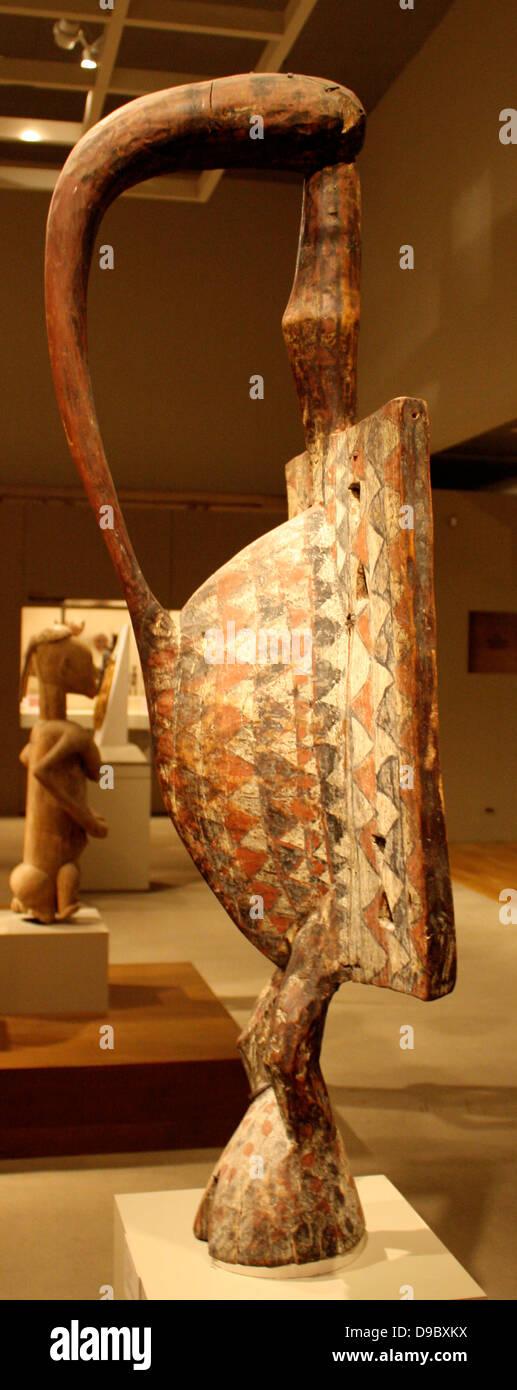 Bird : Cote d'Ivoire : Seaufo 19th-20-th century.  Wood, pigment. - Stock Image