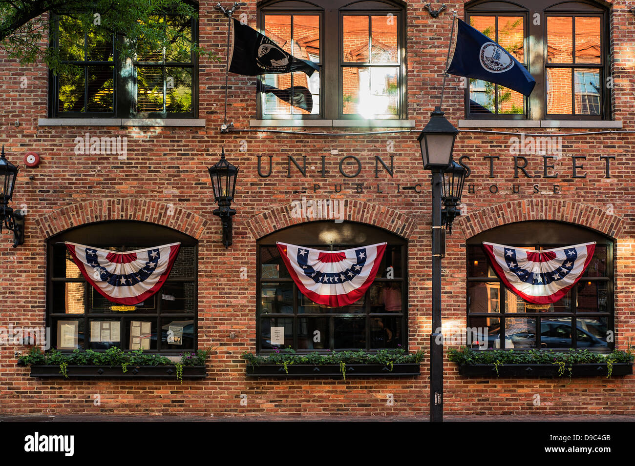 Pub in Old Town, Alexandria, Virginia, USA - Stock Image