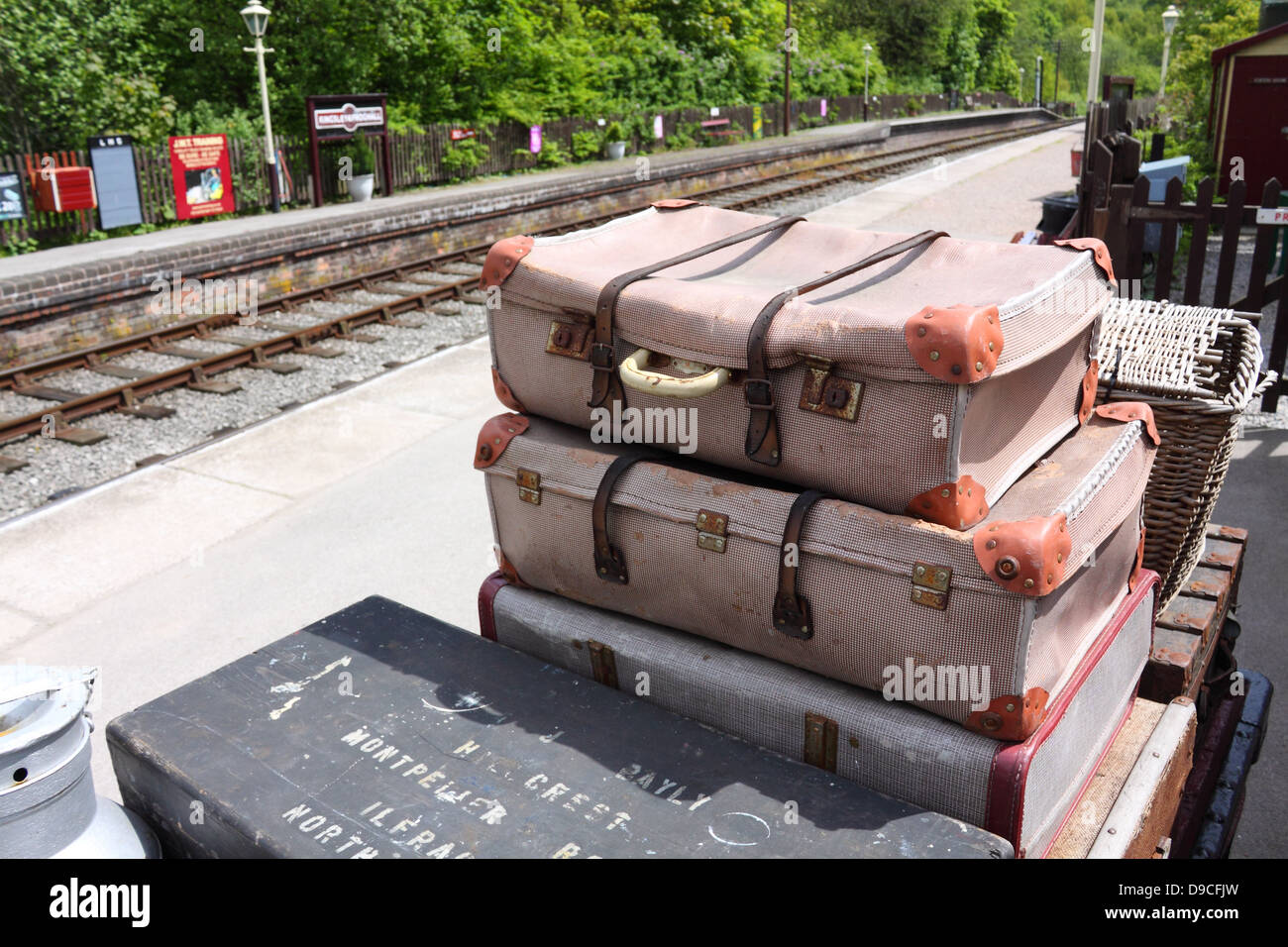 Retro luggage on the platform at Kingsley and Froghall railway station, Staffordshire, England. - Stock Image