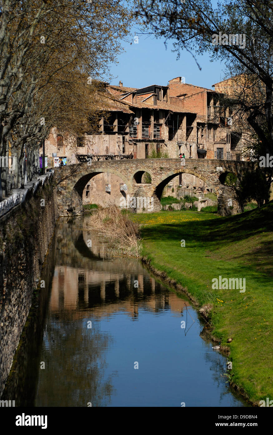 River,  Meder, Bridge, Old, Ancient, Queralt, Romanesque, adoberies,  Vic, Osona, Barcelona, Catalonia, Spain, Europe - Stock Image
