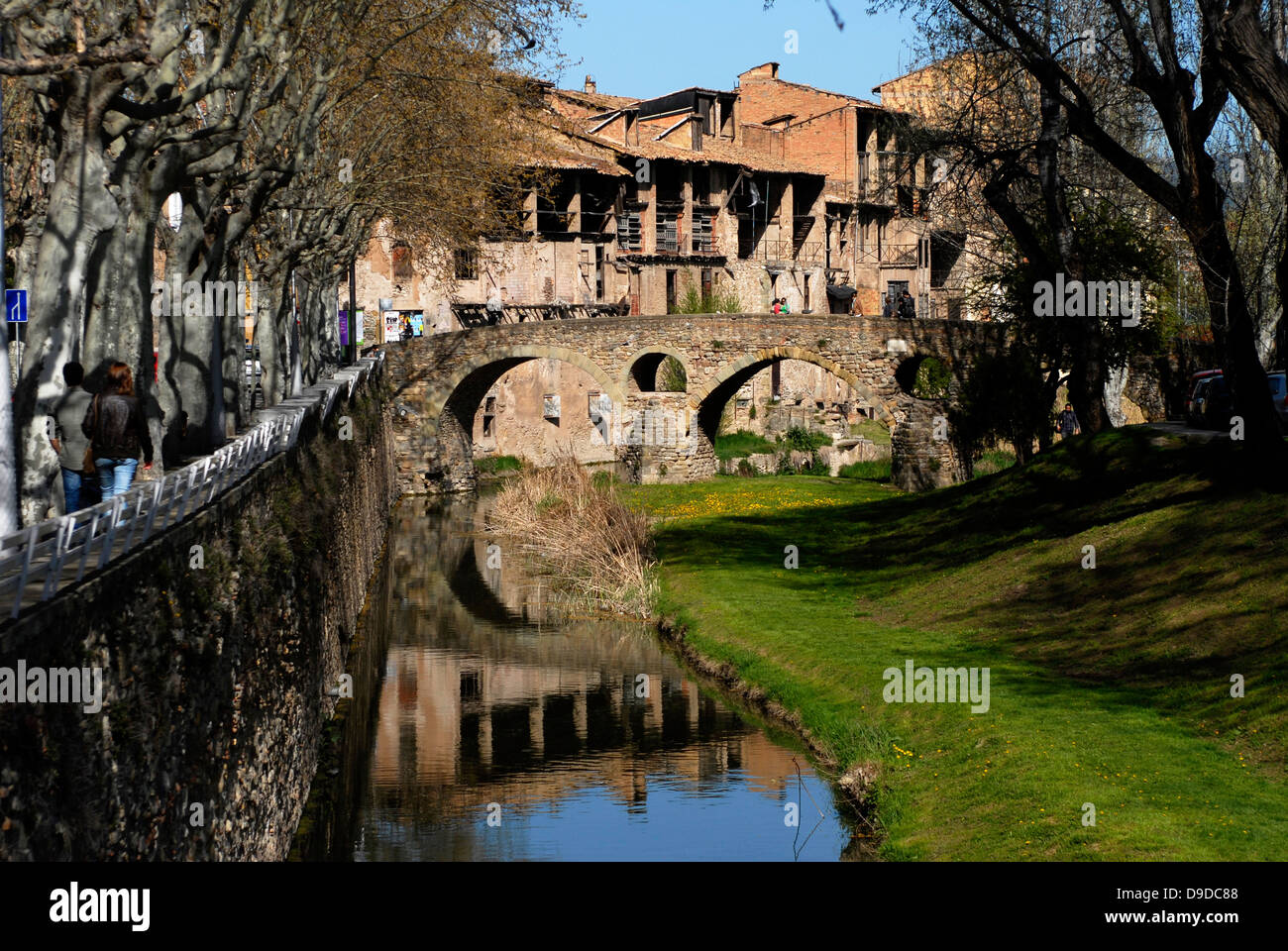 River,  Meder, Bridge, Old, Ancient, Queralt, Romanesque, adoberies,  Vic, Osona,  Barcelona, Catalonia, Spain, - Stock Image