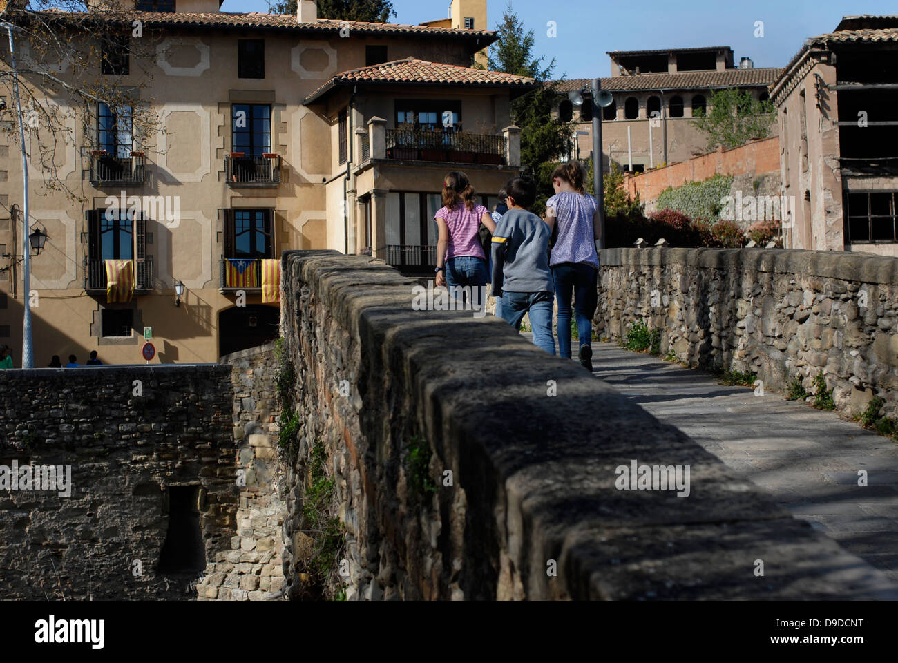 Women, Meder, Bridge, Old, Ancient, Queralt, Romanesque, adoberies,  Vic, Osona,  Barcelona, Catalonia, Spain, Europe - Stock Image