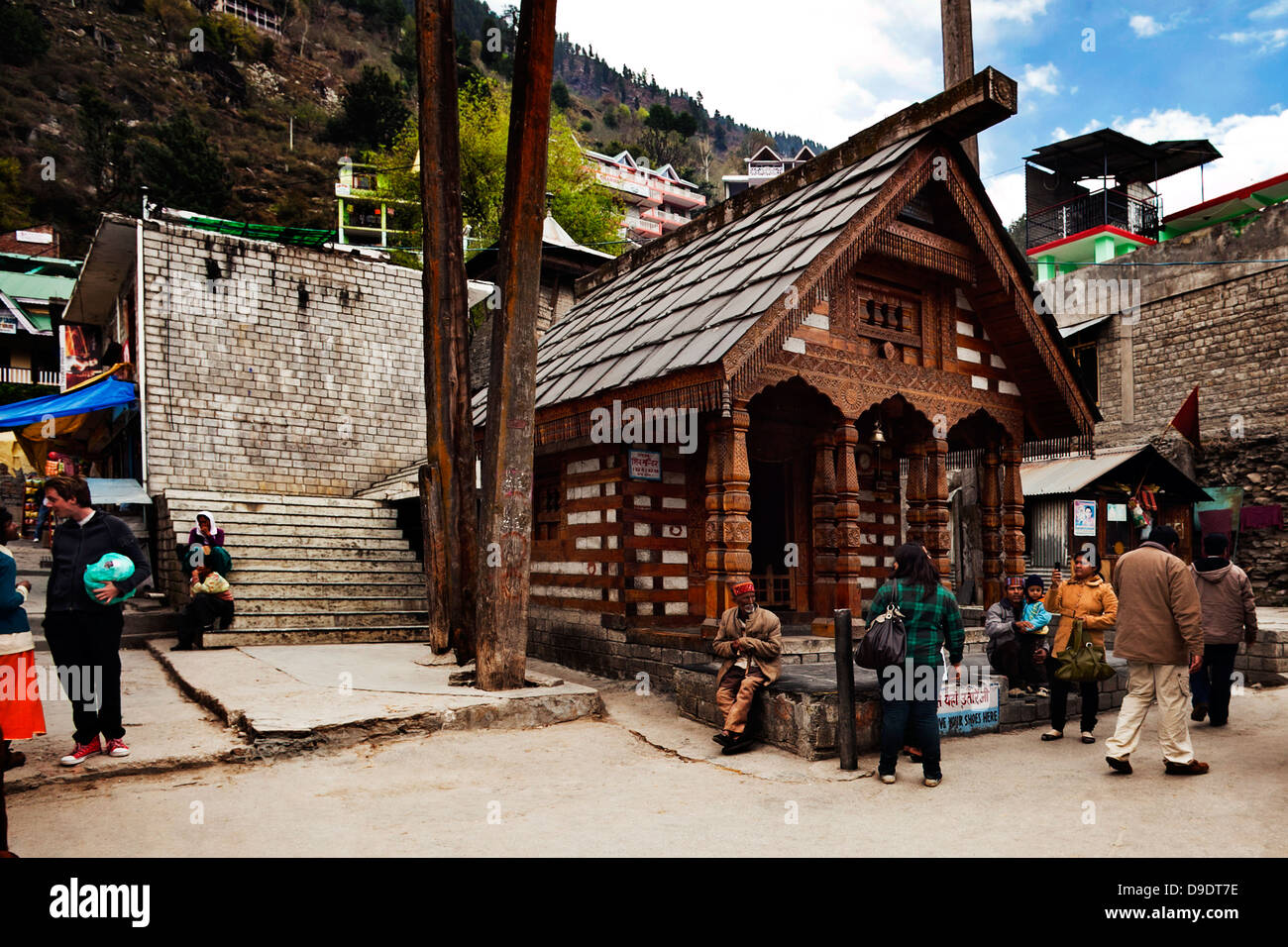People on the street, Manali, Himachal Pradesh, India - Stock Image
