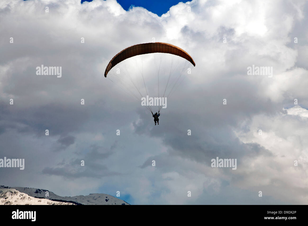 Paragliding in the sky, Manali, Himachal Pradesh, India - Stock Image