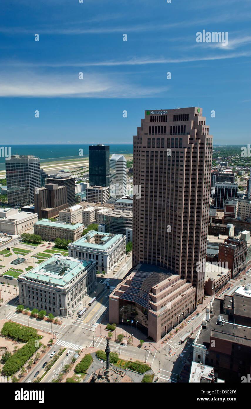 HUNTINGTON BANK TOWER DOWNTOWN CLEVELAND LAKE ERIE OHIO USA - Stock Image