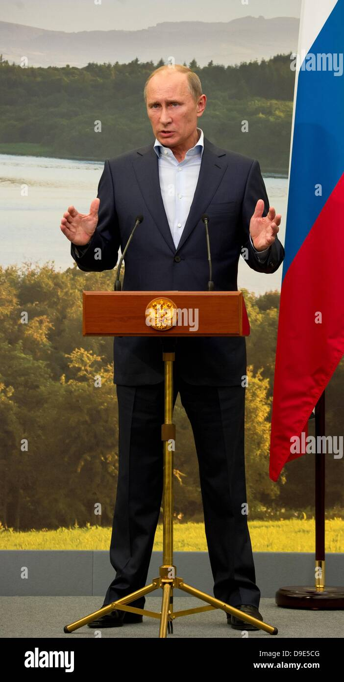 Enniskillen, Northern Ireland,  UK. 18th June 2013. Russian President Vladimir Putin gives a press conference after - Stock Image