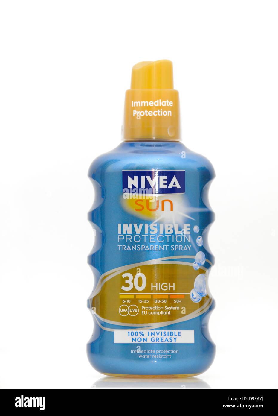 NIVEA sun invisible transparent spray protection oil factor 30 - Stock Image