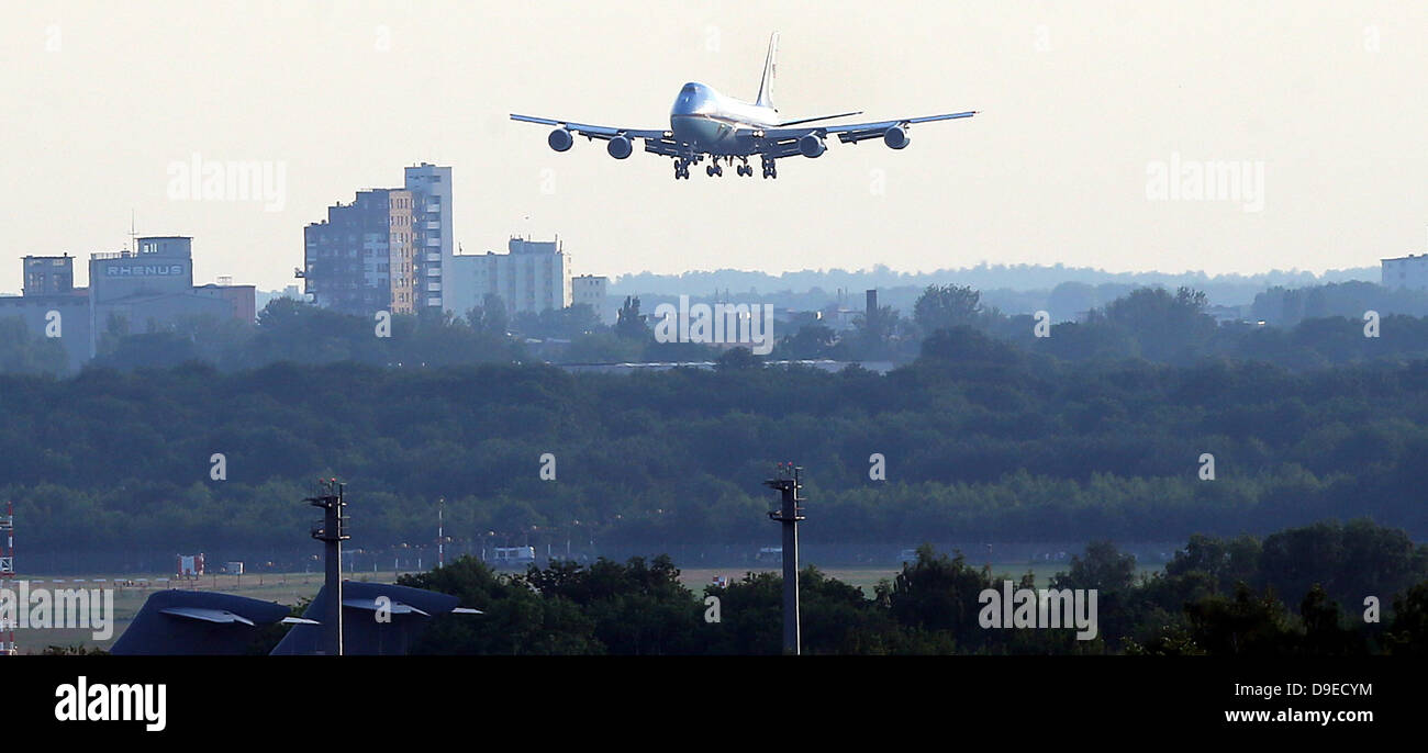 Berlin, Germany. 18th June, 2013. The Air Force One carrying US President Barack Obama, arrives at Tegel Airport - Stock Image